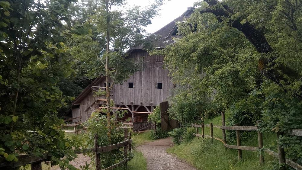 Reiterhof Kaidern i Feldkrhen in Kärnten - Ansicht ds Pfestall